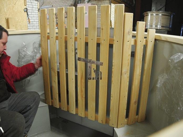 Trä vakt för badtunna aggregatet (1)